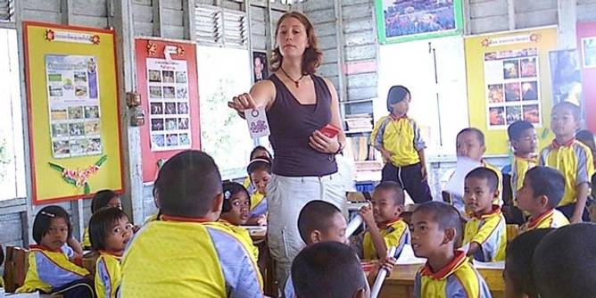 Teaching English to primary school students in Thailand