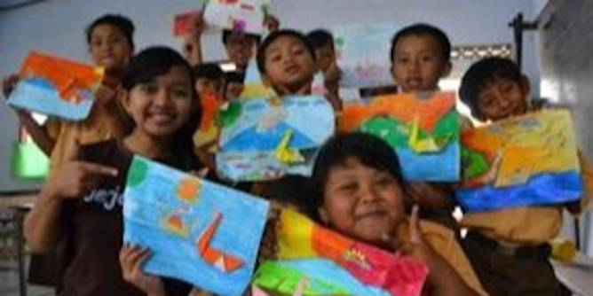Volunteer in Indonesia: Carrying on Kartini's education empowerment legacy
