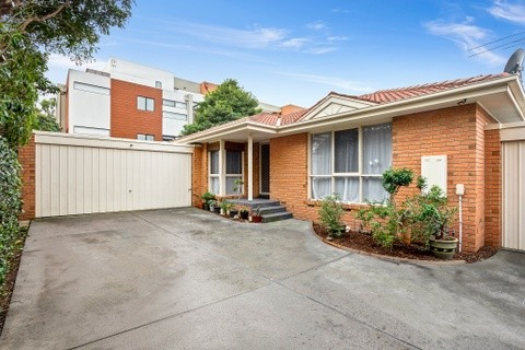 2 /1 Talford Street DONCASTER EAST VIC 3109