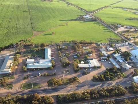 72-80 Eyre Highway Wudinna SA 5652