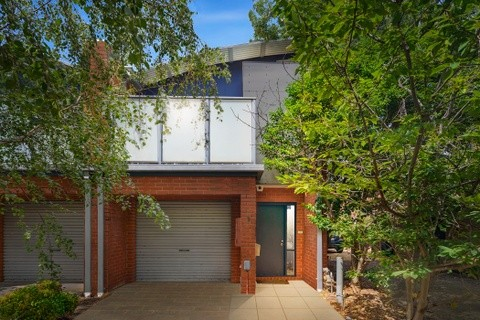 9 Barrow Place BURNLEY VIC 3121