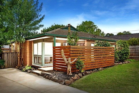 1 /202 Eastfield Road CROYDON SOUTH VIC 3136