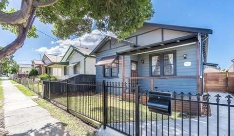 21 Woodstock Street Mayfield NSW 2304