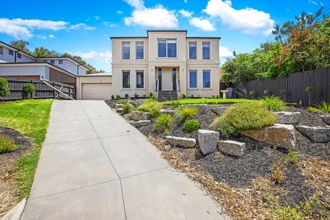 17 Patrick Avenue CROYDON NORTH VIC 3136