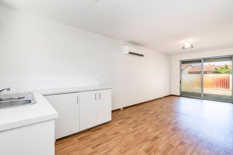 10 /81-83 Shakespeare Avenue YOKINE WA 6060