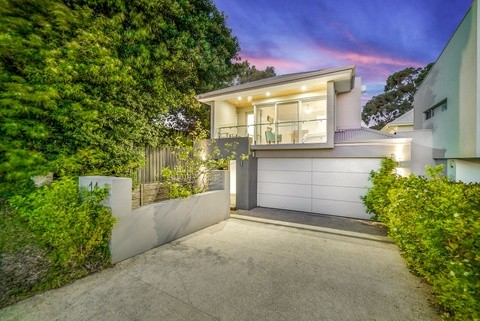 14 Morden Street WEMBLEY DOWNS WA 6019