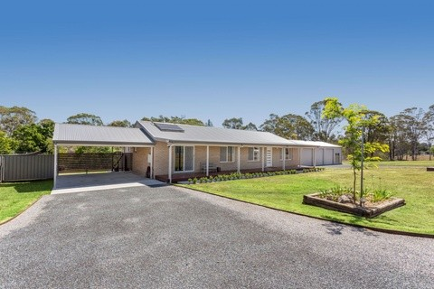 44 Railway Parade TAREE NSW 2430