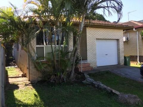 39 Palm Beach Avenue PALM BEACH QLD 4221