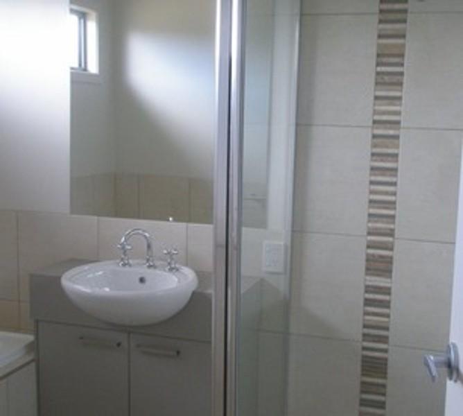 3 beds, 3 baths, 1 cars, 18.00 square kitchen