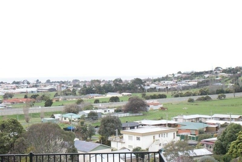 Photo of 9 Holliview Way, Ulverstone TAS 7315 Australia