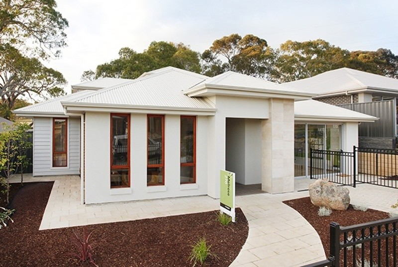 Single storey Melrose House by Rivergum Homes SA