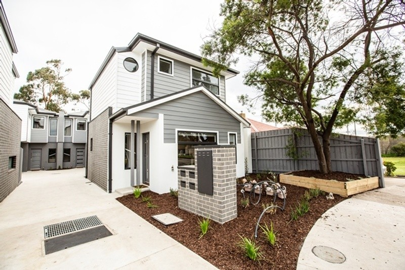 Double storey Altona North project - 4x Townhouses Dual Occupancy by Woodsman Projects