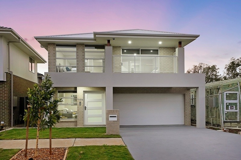 Double storey Bayview House design