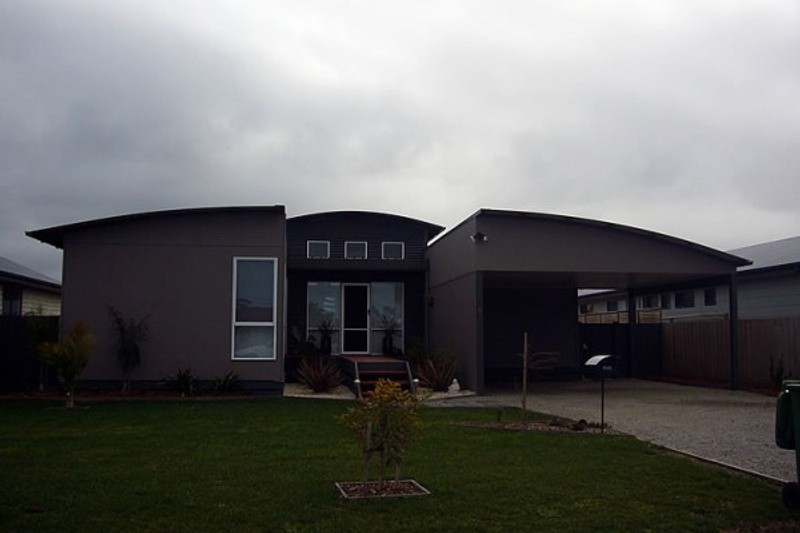 3 beds, 2.5 baths, 0 cars, 17.93 square facade