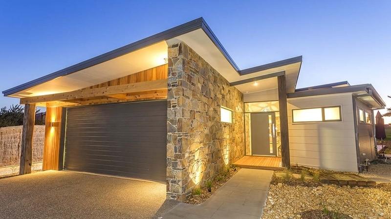 Single storey S25 House by Pivot Homes