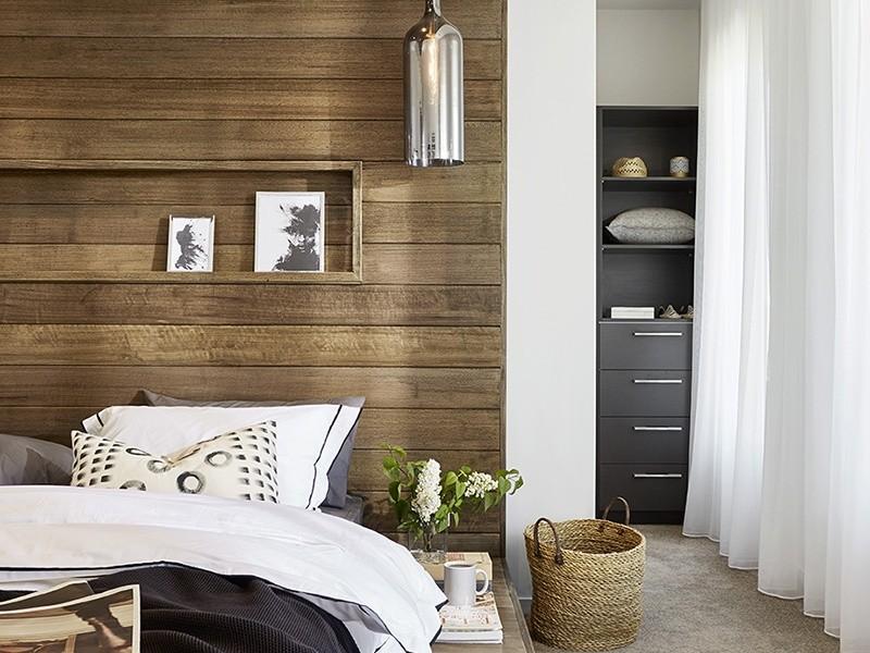 4 beds, 2 baths, 2 cars, 39.58 square interior