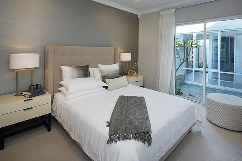 3 beds, 2 baths, 2 cars, 18.13 square main