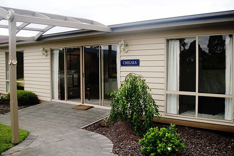 Single storey Chelsea Granny Flat by Premier Homes