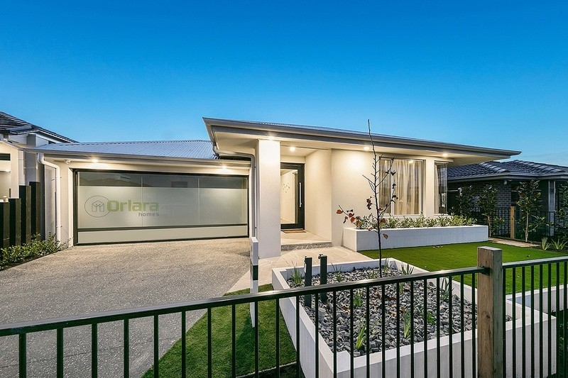 Single storey Villa Luxe House by Davidson Building Group