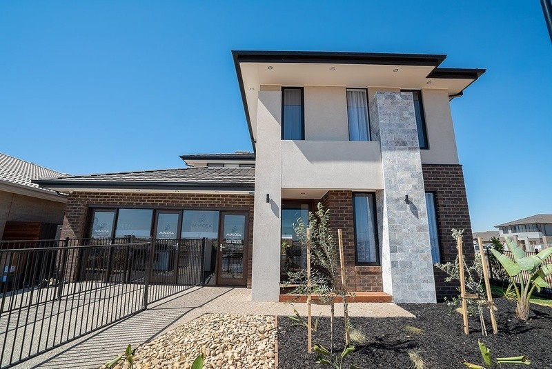 4 beds, 2 baths, 2 cars, 33.80 square facade