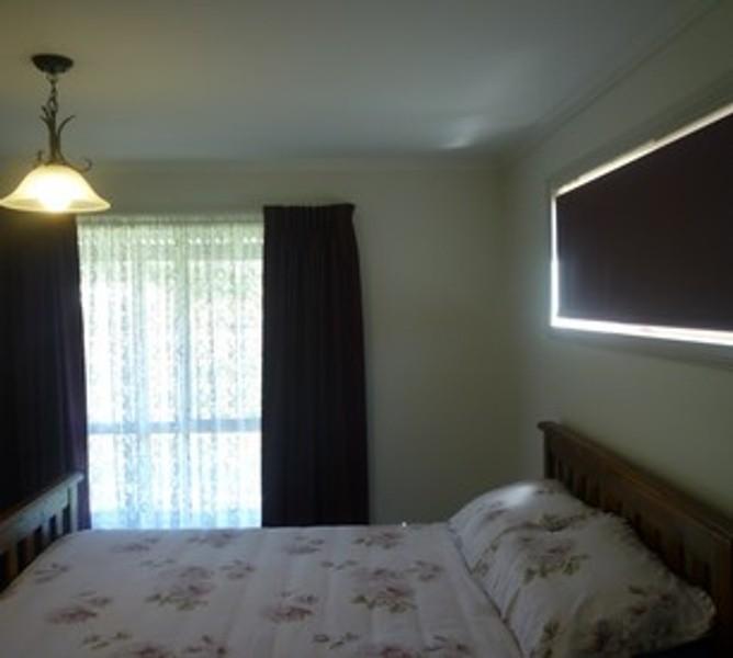 4 beds, 1 baths, 1 cars, 11.84 square interior