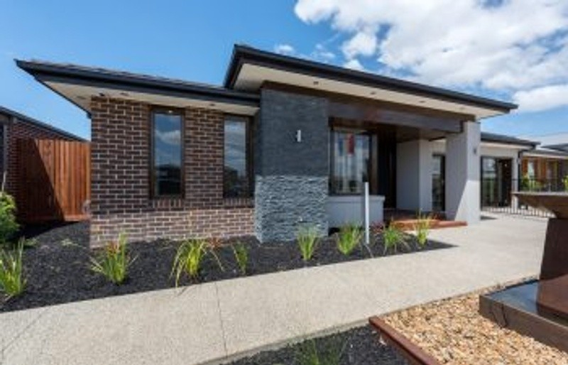 Single storey Mandurah 342 House by Mimosa Homes