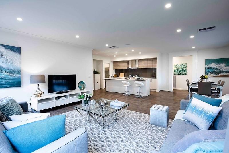 4 beds, 2.5 baths, 2 cars, 24.07 square interior