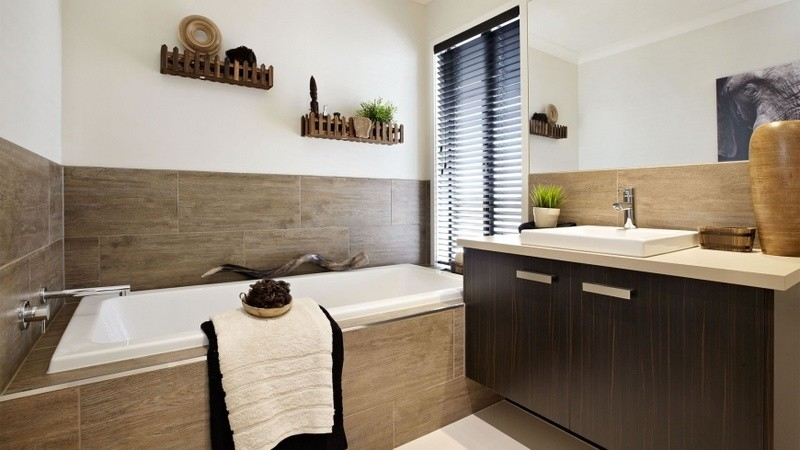4 beds, 2.5 baths, 2 cars, 35.00 square main