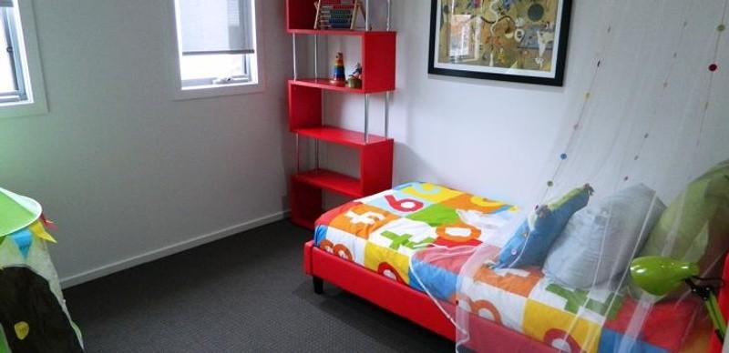 3 beds, 2 baths, 0 cars, 19.90 square main
