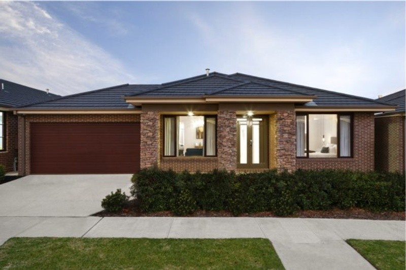 Single storey Ashwood House by Lentini Homes
