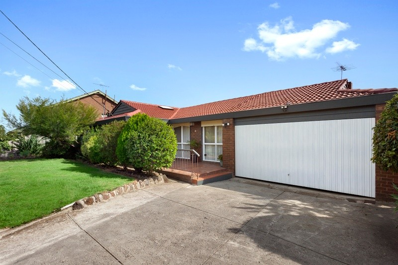 Photo of 18 St Andrews Crescent, BULLEEN VIC 3105 Australia
