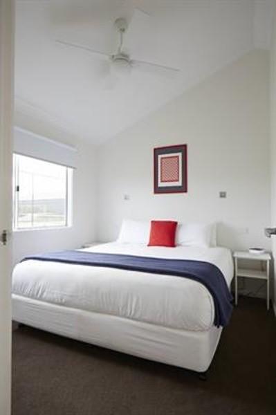 3 beds, 2 baths, 0 cars, 19.40 square interior