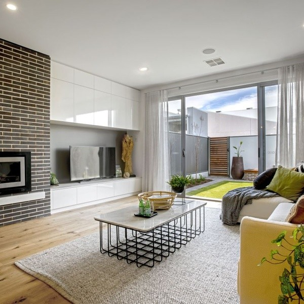 3 beds, 2.5 baths, 1 cars, 20.65 square interior