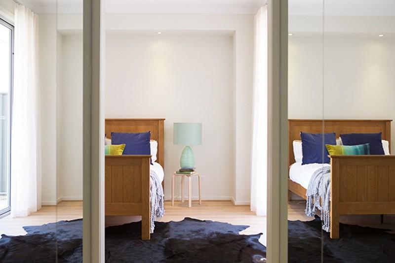 4 beds, 2.5 baths, 2 cars, 31.37 square interior
