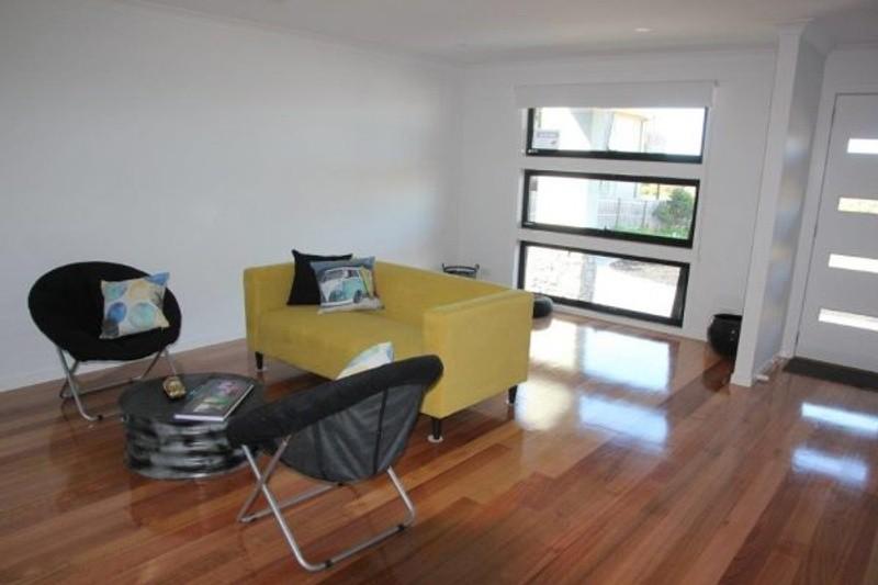4 beds, 2.5 baths, 2 cars, 27.38 square interior