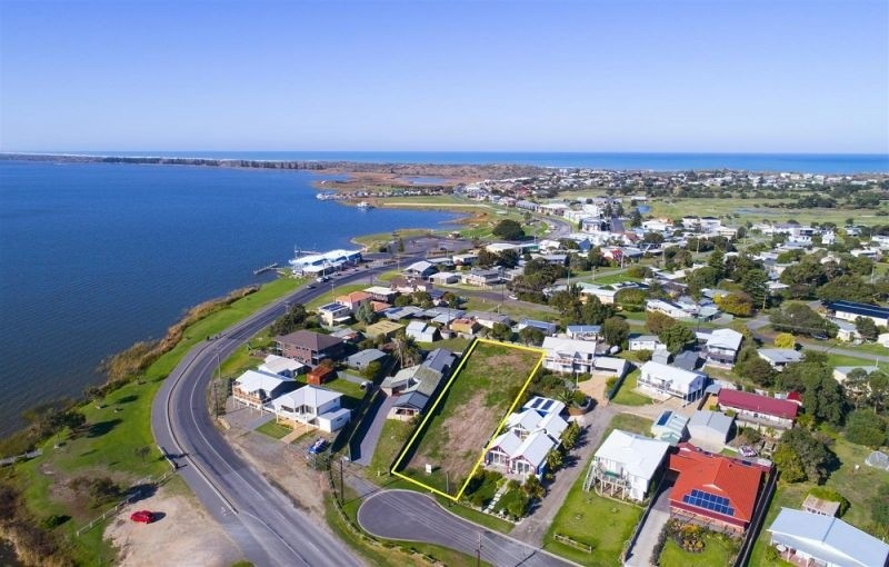 Photo of 3 Riverside Dr, Goolwa South SA 5214 Australia