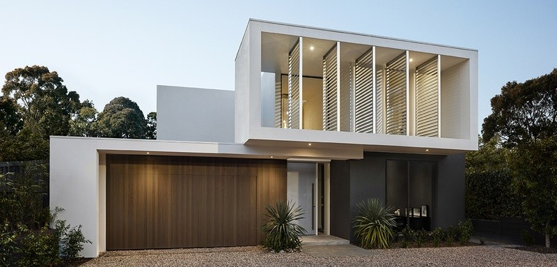 Double storey Modern House by Glenvill Custom Homes