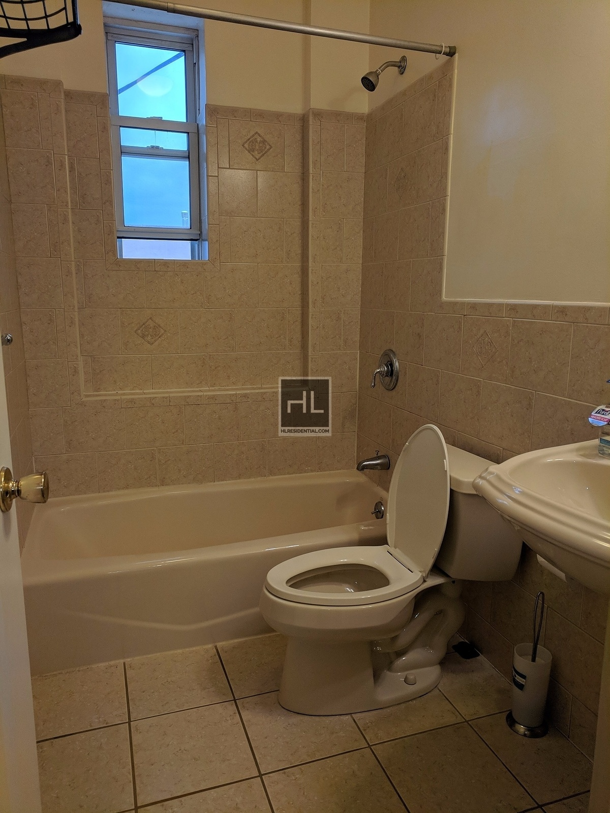 Newly Renovated 2 Bedroom with 1.5 Bath, Separate Kitchen, Stainless ...