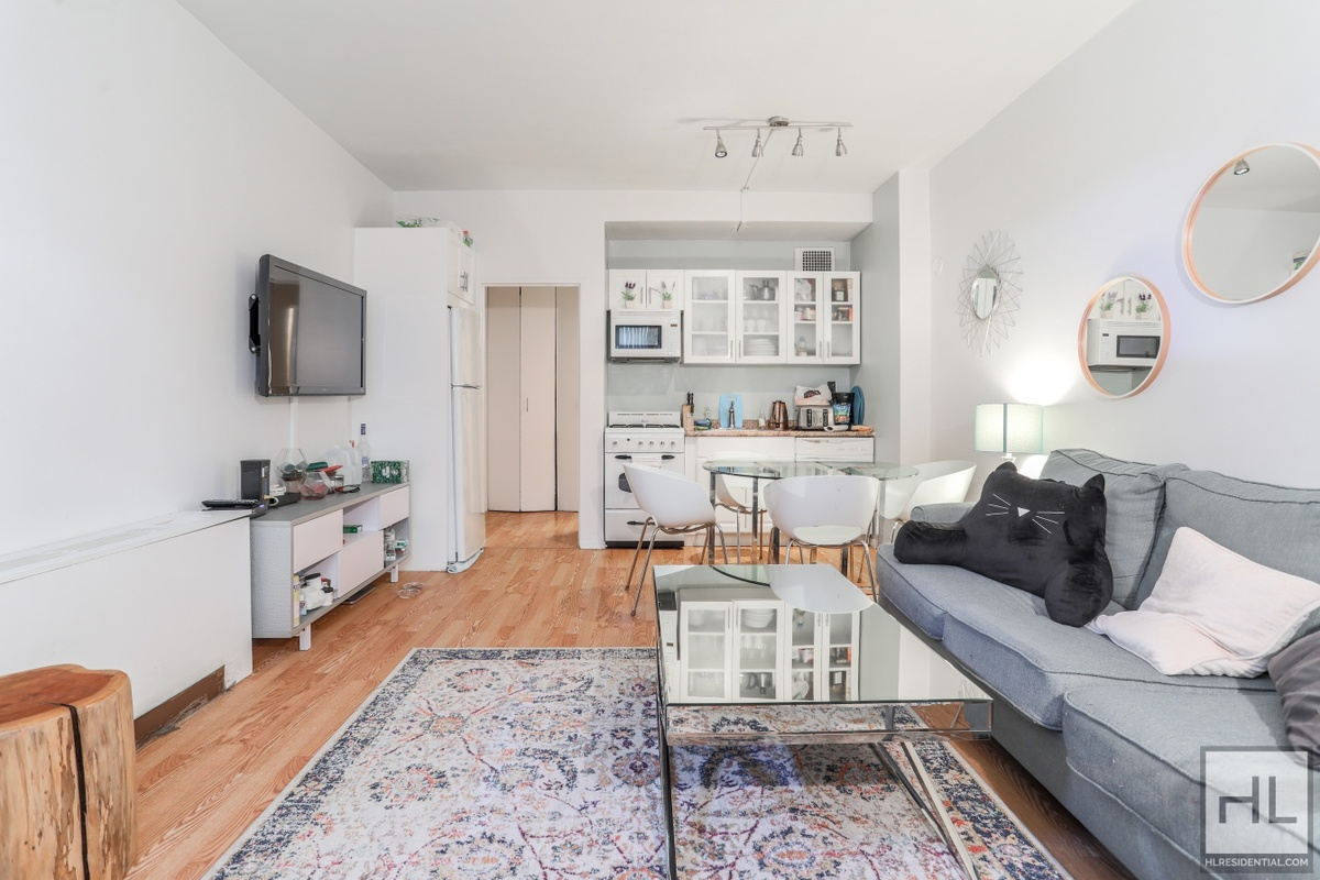Image for 1 Bedroom Condo for Sale with Private Entrance Located at the Turtle Bay Area in Manhattan!